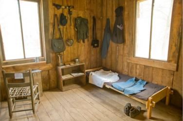 Fort Crook Log Cabin 5