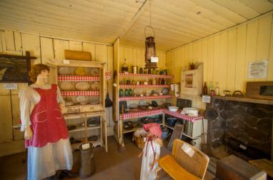 Lewis Log Cabin 5